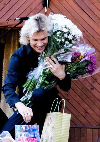 Певец Александр Бичев, биография, фото