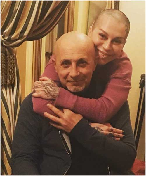 Наргиз с мужем Филом